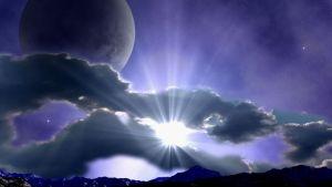 Não desfrute somente o sol, aprecie também a lua.